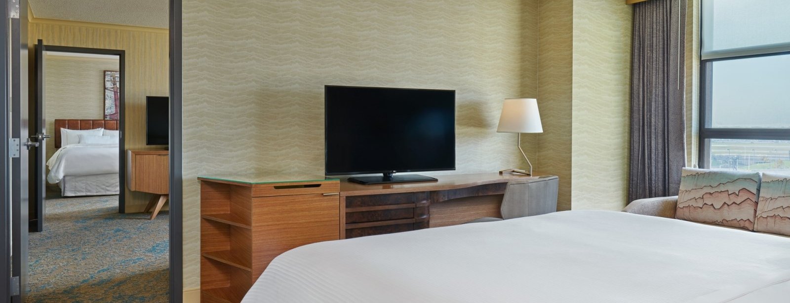 Two-Bedroom Suites | The Westin Detroit Metropolitan Airport Hotel