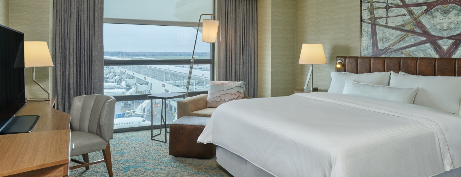 Deluxe Room | The Westin Detroit Metropolitan Airport Hotel